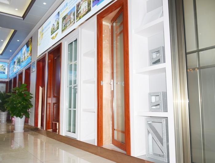 轻钢别墅装饰门材料