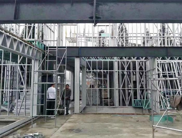 东晟康达轻钢别墅内部结构建造案例